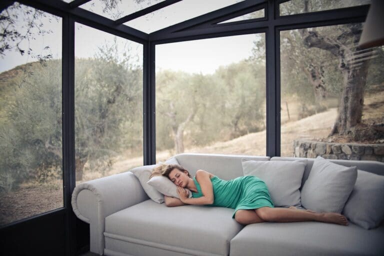 woman sleeping apnea